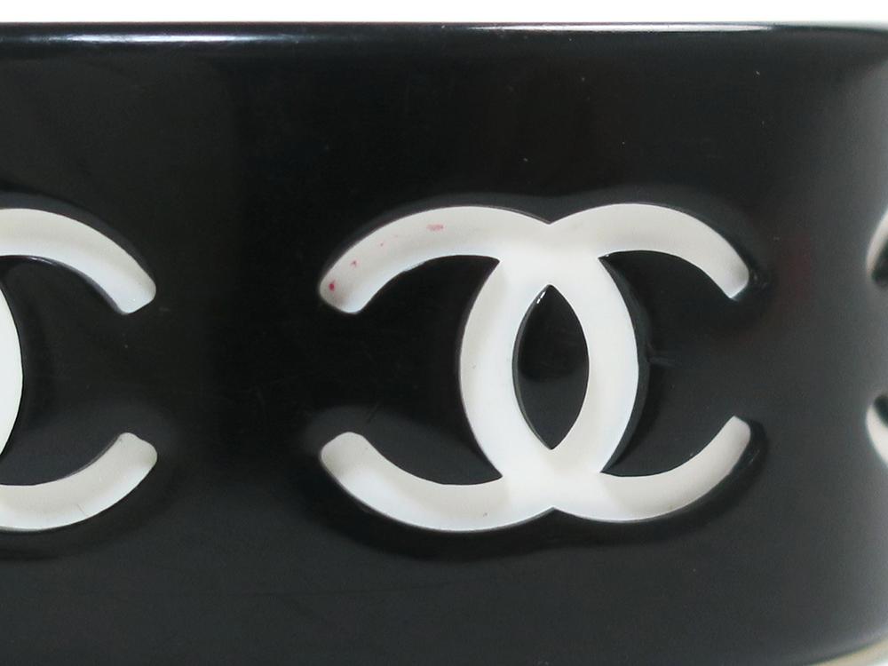 シャネル ブラック×ホワイト プラスチック ココマーク バングル ダメージ02