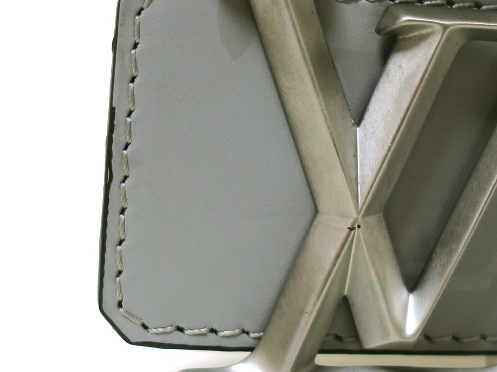 ルイヴィトン サンチュール LVピラミッド リバーシブル ベルト M0121U ダメージ01