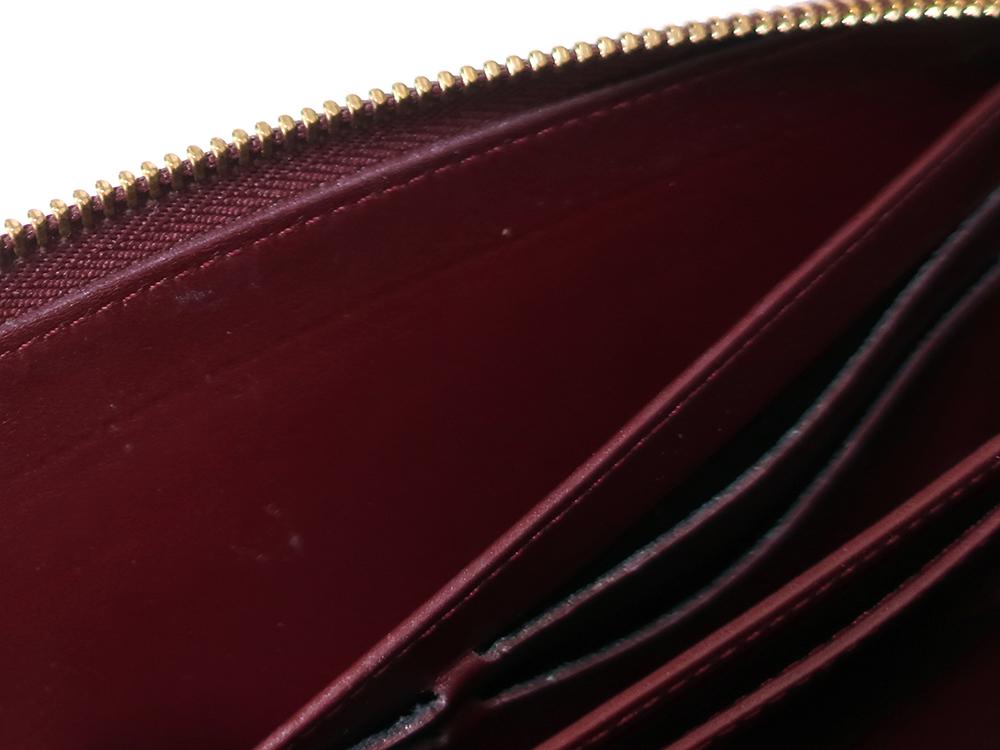 ルイヴィトン モノグラム・ヴェルニ ジッピー・ウォレット 長財布 M93575 内側ダメージ01