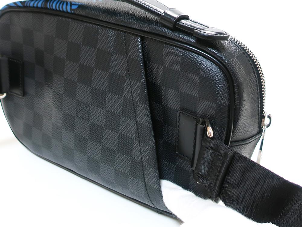 ルイヴィトン ダミエ グラフィット アンブレール クリストファーネメス N41708 背面ファスナーポケット