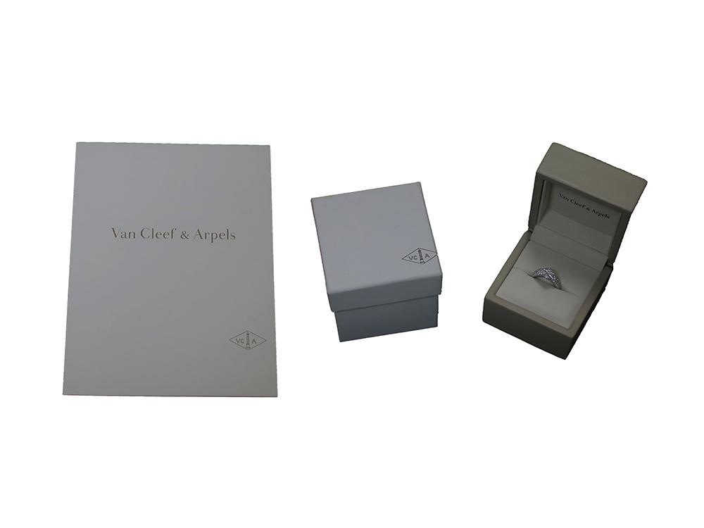 ヴァン クリーフ&アーペル フルーレット ダイヤモンドリング ホワイトゴールド 付属品