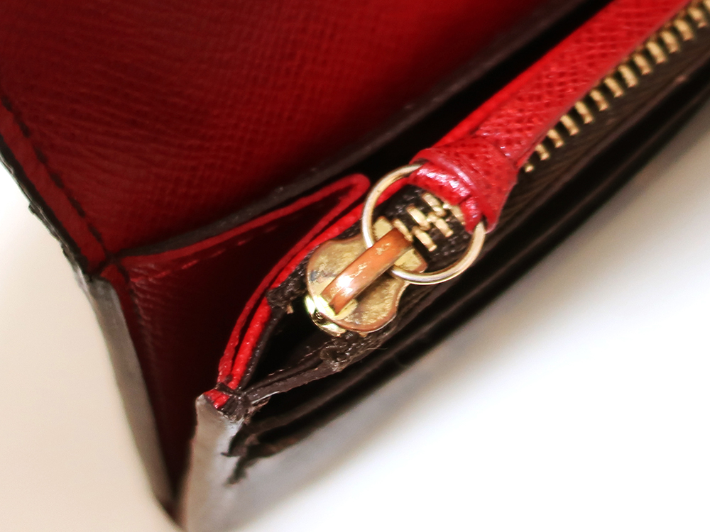 ルイヴィトン モノグラム ポルトフォイユ・エミリー 長財布 M60136 内側ダメージ02