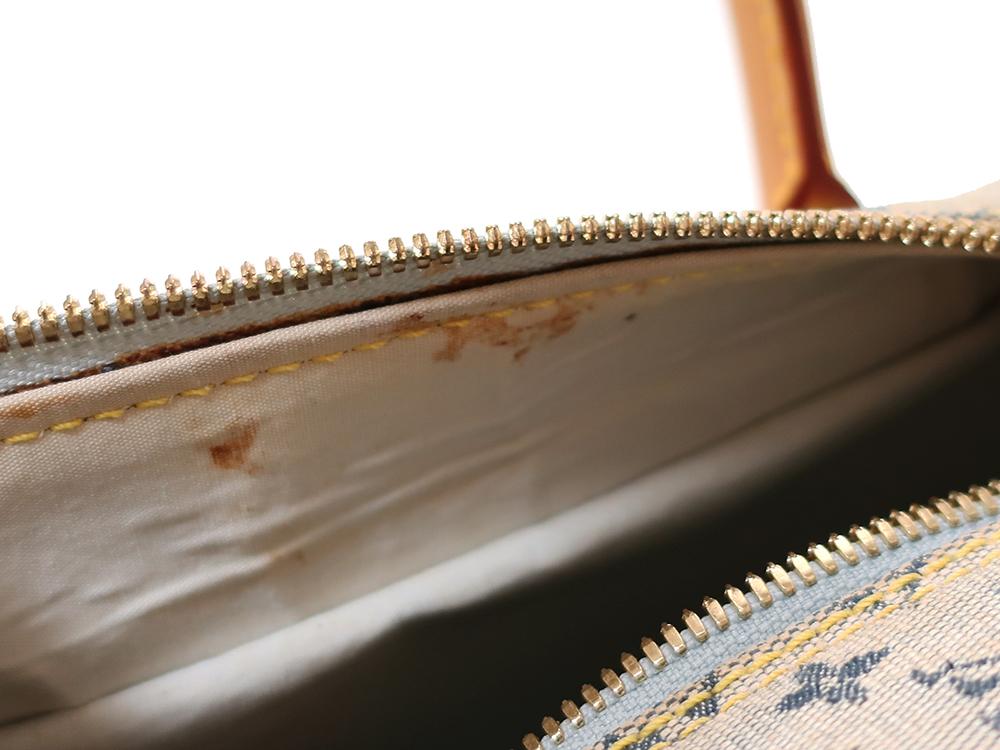 ルイヴィトン モノグラム・ミニ マリー M92003 内側ダメージ01